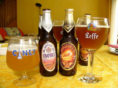 Beer topic Blanche_de_Chambly_-_Maudite_-_Unibroue
